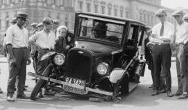 automotive-defect-broken-car-wreck-78793